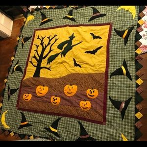 "Very large hand made Halloween /fall quilt 85""x85"""